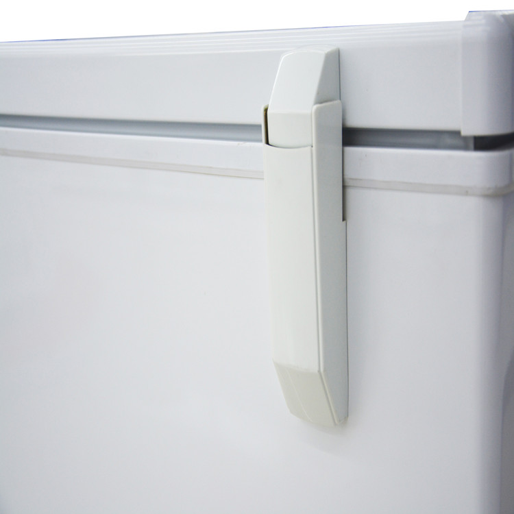 Compact 5 Cubic Feet Flat Top Chest Freezer
